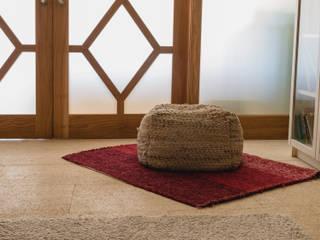 Vivienda particualr / Pavimento interior en piedra natural Albamiel de Rosal Stones Mediterráneo