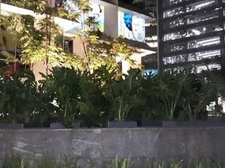 JARDINERAS PLAZA ANTARA Jardines modernos de JARDINERIA EMPRESARIAL.COM.MX Moderno