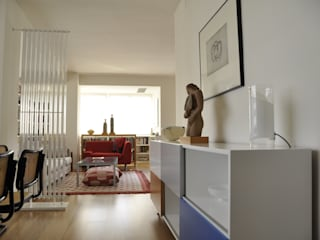 Dasepa Construcciones y reformas en Madrid Modern corridor, hallway & stairs Wood White