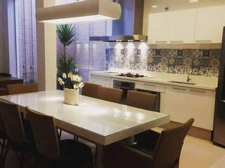 Moderne Küchen von Catini & Catini arquitetura Modern