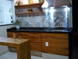 Catini & Catini arquitetura Small kitchens