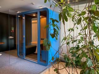 Niebieska salka spotkań: styl , w kategorii  zaprojektowany przez HaloBudka