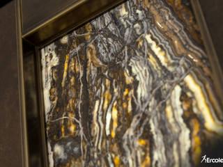 Porta Blindata in Onice Retroilluminato e Grès con Dettagli in Ottone di Ercole Srl Moderno