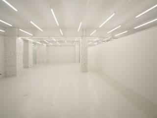 Laboratoria Art & Science Space Выставочные центры в стиле лофт от Help Remont Лофт