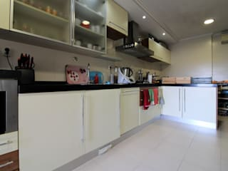 Modern style kitchen by EU LISBOA Modern