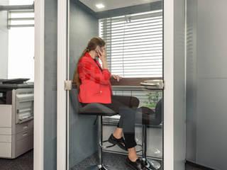 Budka Powiększony Komfort: styl , w kategorii  zaprojektowany przez HaloBudka