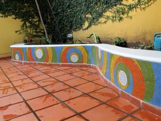 Cantero en Jardín Maternal: Jardines de estilo  por Compañía de Mosaicos