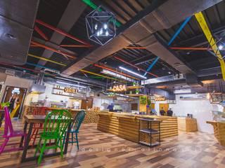 Ресторан Salat - 720м2: Ресторации в . Автор – Студия дизайна ALIONA SAJIN DESIGN SOLUTIONS,
