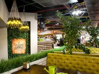 Ресторан Salat - 720м2:  в . Автор – Студия дизайна ALIONA SAJIN DESIGN SOLUTIONS,
