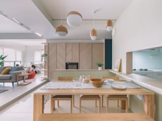 Salas de estar modernas por 木介空間設計 MUJIE Design Moderno