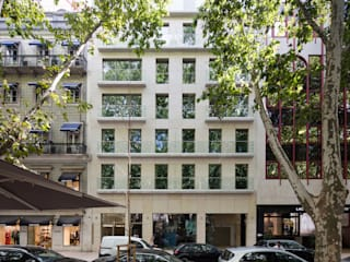 LIBERDADE 40: Habitações multifamiliares  por Contacto Atlântico - Arquitectura,