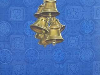 Celestial Bells:  Living room by Shanti Art Gallery,