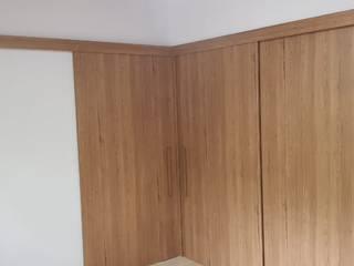 closet com portas de passagem deslizantes em mdf por PROJETO IDEAL PLANEJADOS