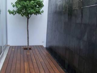 Murs & Sols modernes par AQUAENTORNOS Moderne