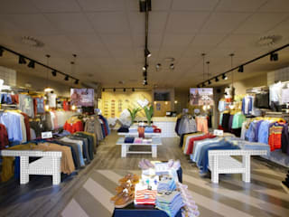 Moderne kantoor- & winkelruimten van Piedra Papel Tijera Interiorismo Modern
