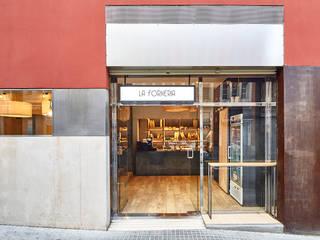 Klassieke winkelruimten van Piedra Papel Tijera Interiorismo Klassiek