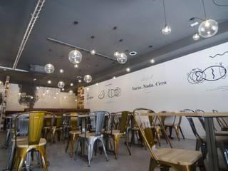 Dining room by Simetrika Rehabilitación Integral