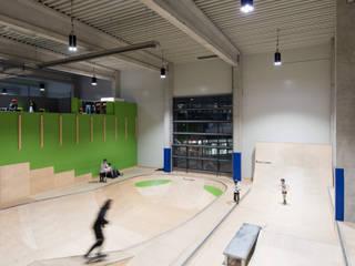 Projektgalerie:  Fitnessraum von LUMEsLICHT,