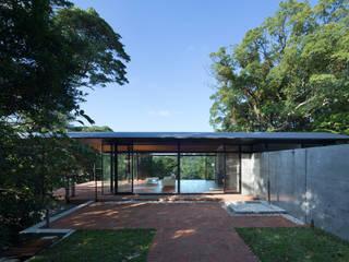 海の家 Villa F モダンデザインの テラス の 伊藤建築都市設計室 モダン