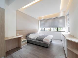臥室四內的一體成形收納櫃 根據 藏私系統傢俱 北歐風