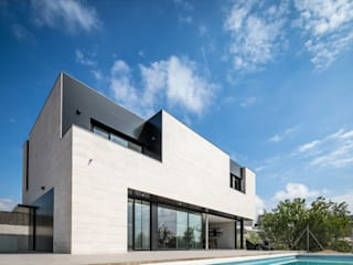 Houses by 08023 Architects, Modern