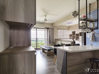 LIU House‧全民萬歲 現代風玄關、走廊與階梯 根據 元作空間設計 現代風