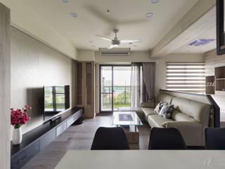 LIU House‧全民萬歲:  客廳 by 元作空間設計