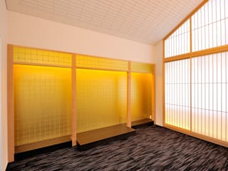 寺院へのリフォームマネジメント つなぐデザインマネジメント合同会社 和風デザインの 多目的室