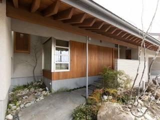 Asian style houses by 荒井好一郎建築設計室 Asian