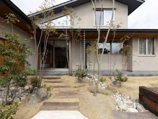 Casas asiáticas de 荒井好一郎建築設計室 Asiático
