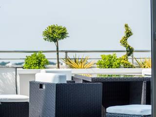 Casa JM1 Balcone, Veranda & Terrazza in stile moderno di Marco D'Andrea Architettura Interior Design Moderno