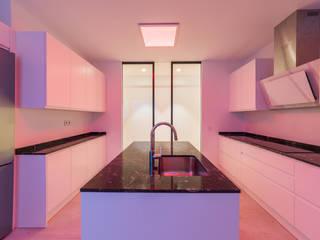 Reforma Integral Vivienda Madrid: Cocinas integrales de estilo  de Loema Reformas Integrales Madrid , Moderno
