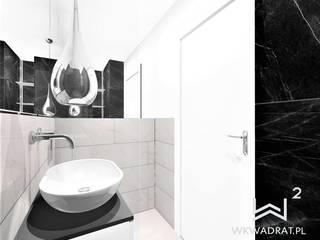 Malutka łazienka w bloku Wkwadrat Architekt Wnętrz Toruń Nowoczesna łazienka Kamień Beżowy