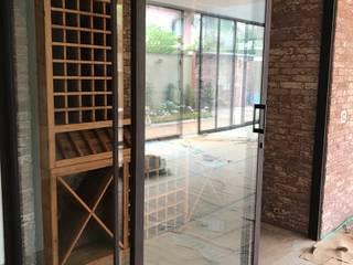 Gibeli Refrigeração Cavas rústicas Vidrio Acabado en madera