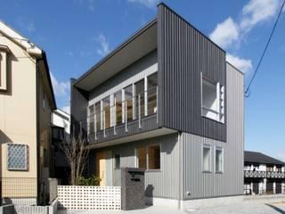 Casas unifamilares de estilo  de 中澤建築設計事務所, Moderno