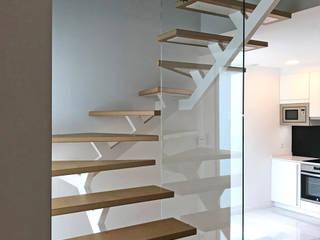 smartliving CLASSIC plus CA4: Casas prefabricadas de estilo  de SMARTLIVING