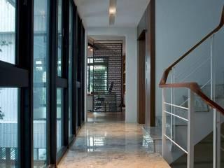 室內設計北歐風:  樓梯 by 大桓設計顧問有限公司