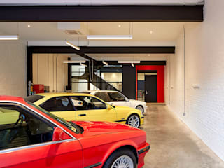 Modern garage/shed by KUBE Architecture Modern