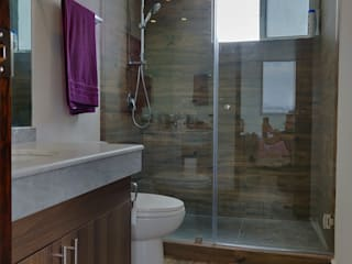 Modern bathroom by AMID Modern