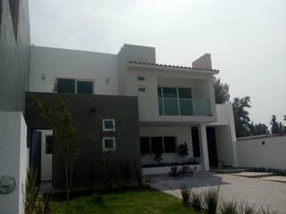 Häuser von AVANZA ARQUITECTOS, Modern