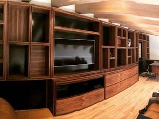 Klasyczne domowe biuro i gabinet od Manolo Campos, ebanistería contemporánea Klasyczny