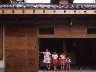 Casas rurales de estilo  de (株)独楽蔵 KOMAGURA, Ecléctico