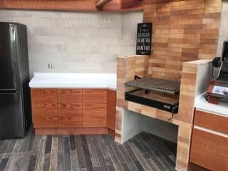 Revestimientos Balcones y terrazas rústicos de AUTANA estudio Rústico Madera Acabado en madera