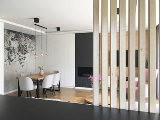Belleville projektowanie wnętrz Sala da pranzo moderna Legno Bianco