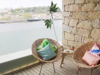 Espaços Exteriores Tangerinas & Pêssegos: Varandas  por Tangerinas e Pêssegos - Design de Interiores & Decoração no Porto,Mediterrânico