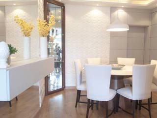 Sala de Jantar AF - Curitiba/PR: Salas de jantar  por Déco&Co. Arquitetura ,Moderno