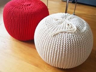 Ręcznie dziergane pufy do salonu: styl , w kategorii  zaprojektowany przez Italpouf.pl