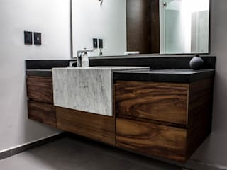 現代浴室設計點子、靈感&圖片 根據 Almadera 現代風