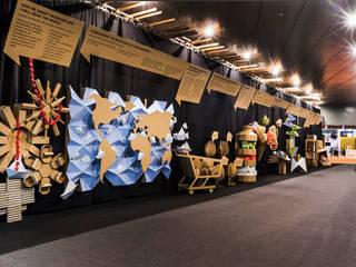 Klassieke exhibitieruimten van Piedra Papel Tijera Interiorismo Klassiek