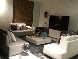 LIZZY SERGE Interiorismo Arquitectónico Modern Living Room White